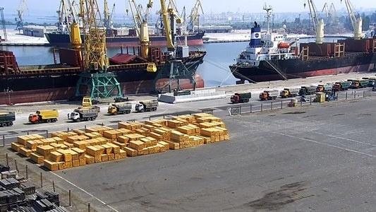 Порт «Ольвия» снизил прибыль в два раза после перехода с перевалки металла на зерно фото, иллюстрация