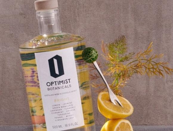 Optimist создал безалкогольную водку, джин и текилу  фото, иллюстрация