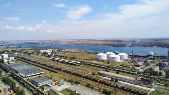 ОПЗ відправляє на експорт майже 90% виробленого карбаміду фото, ілюстрація