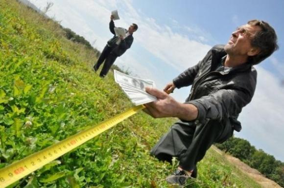 Эксперт указал на риски перезаключения договоров аренды земли фото, иллюстрация