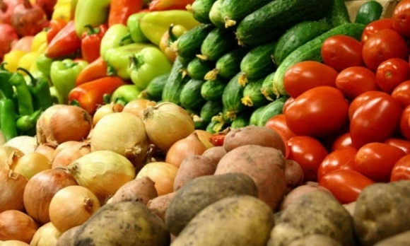 Херсонські фермери продають овочі на онлайн ринку фото, ілюстрація