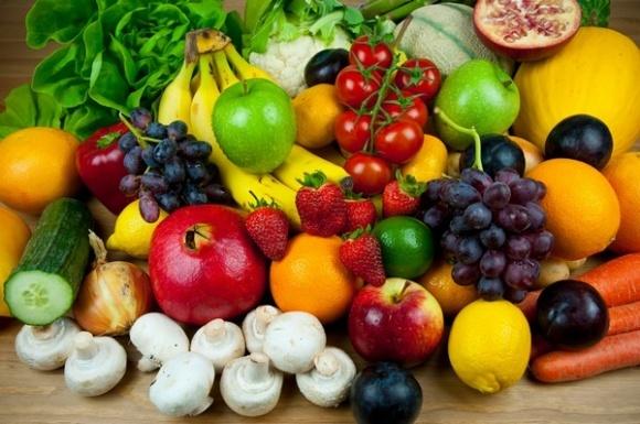 В последние недели лета украинцы скупают овощи и фрукты фото, иллюстрация