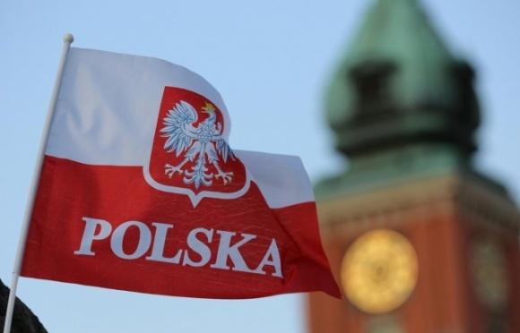 Польша изменила правила трудоустройства для украинцев фото, иллюстрация