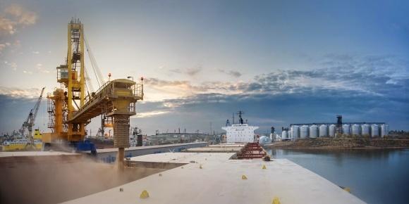 У порту Ольвія на Миколаївщині відкрито новий зерновий термінал фото, ілюстрація
