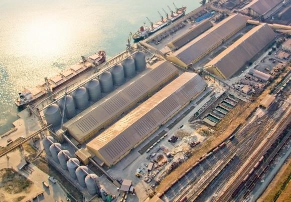 Роль українських портів у експорті зернових фото, ілюстрація