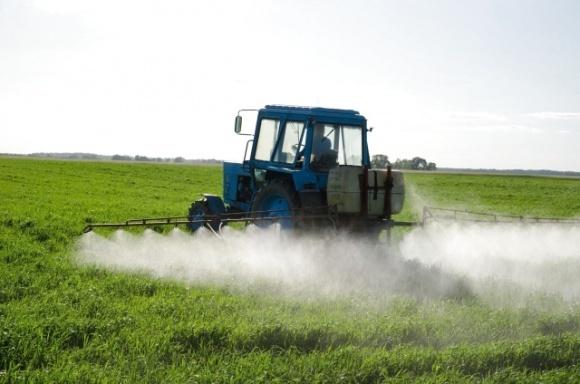Аграрии обработали пестицидами свыше 6 млн га площадей, — Госпродпотребслужба фото, иллюстрация