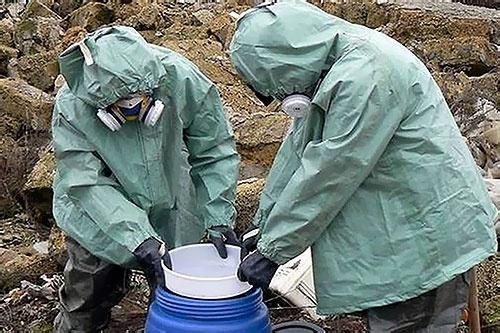 Из Херсонской области вывезут более 100 тонн непригодных к применению пестицидов фото, иллюстрация