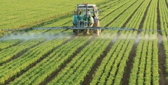 Аграрный комитет рекомендовал к рассмотрению в парламенте законопроект об импорте пестицидов и агрохимикатов фото, иллюстрация