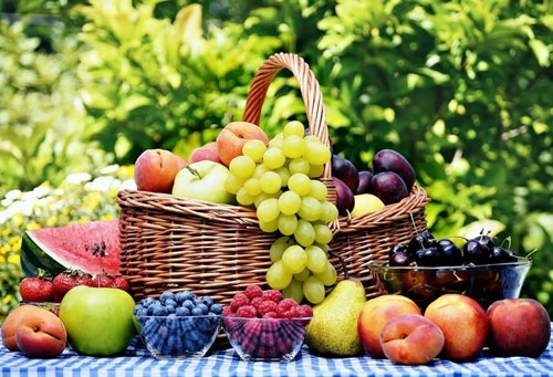 Імпорт фруктів та ягід в Україні вдвічі перевищив їх експорт фото, ілюстрація