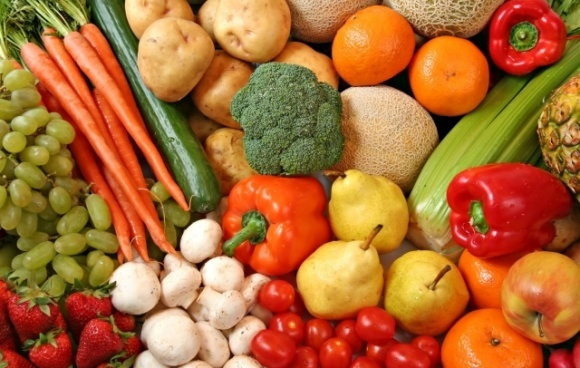 Зниження ПДВ на плодоовочеву продукцію до 8-10% допомогло б залишити заробітчан в Україні фото, ілюстрація