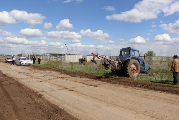 На Чернігівщині судять фермера, який розорав військовий аеродром під овочі фото, ілюстрація