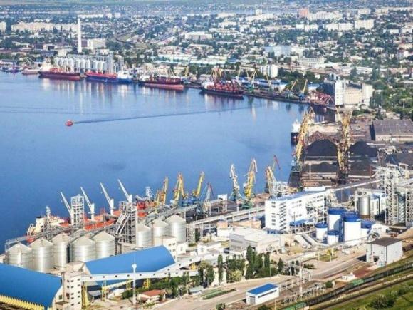 Мариупольский порт превысил собственный рекорд грузовых операций фото, иллюстрация