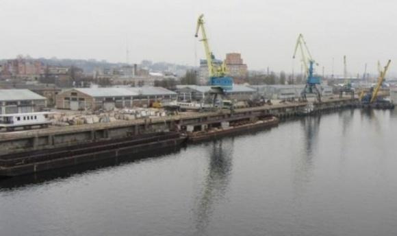 Киевский речной порт планирует международную перевалку агропродукции фото, иллюстрация
