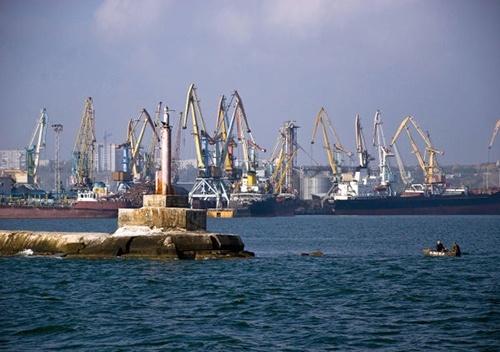 Перевалка грузов в украинских портах в Азовском море с 2014 года упала на 50-70% фото, иллюстрация