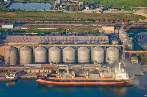Экспорт зерновых нового урожая на треть меньше, чем год назад фото, иллюстрация