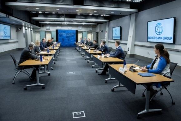 Зеленский обсудил с главой Всемирного банка земельную реформу фото, иллюстрация