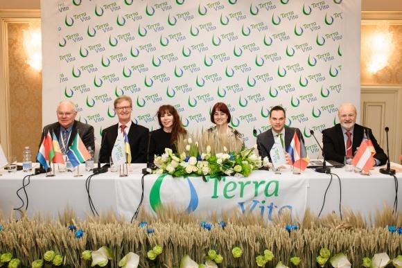 15-річчя TerraVita в Україні фото, ілюстрація