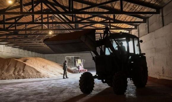 Група посадовців «Хлібної бази №76» з Держрезерву викрала пшениці на 1 млн грн фото, ілюстрація