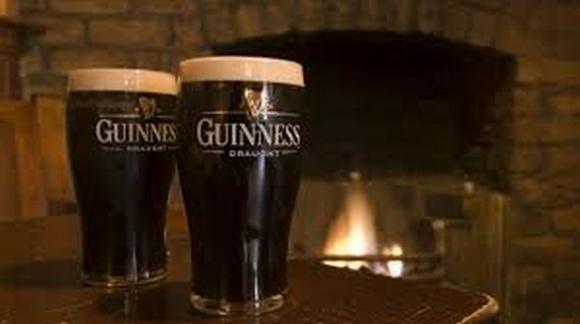 Guinness на карантине удобряла деревья своим пивом фото, иллюстрация
