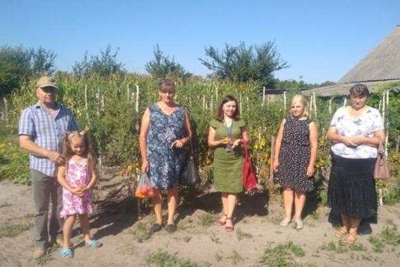 Сім'я із Ратнівщини розповіла, як почала заробляти на овочах фото, ілюстрація