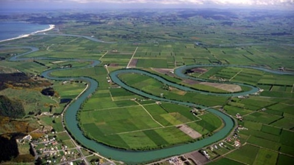 Місця зустрічі річок з морями можуть виробляти енергію фото, ілюстрація