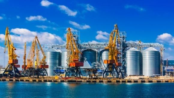 Определена пятерка крупнейших речных терминалов по перевалке зерна фото, иллюстрация