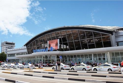 Резкий запах аммиака в аэропорту «Борисполь»: один человек госпитализирован, еще полсотни почувствовали ухудшение самочувствия фото, иллюстрация
