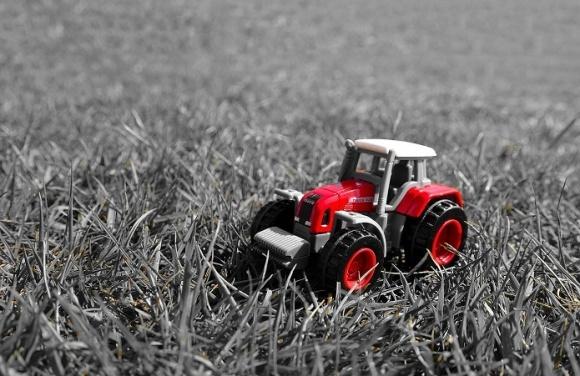 Госпомощь при закупке украинской сельхозтехники саботируют? фото, иллюстрация