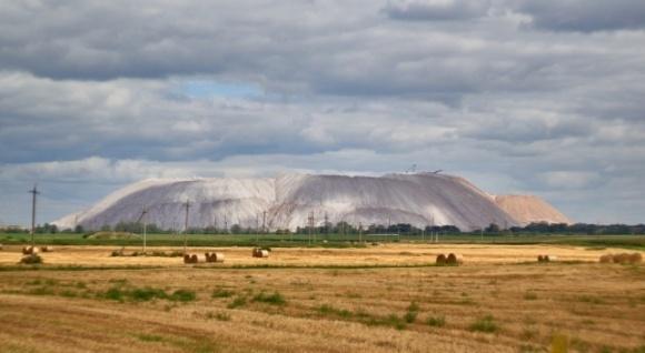 Євросоюз забороняє ввезення калійних добрив із Білорусі фото, ілюстрація