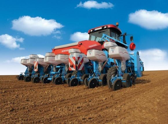 Monosem представила украинским аграриям новую пневматическую сеялку точного высева фото, иллюстрация