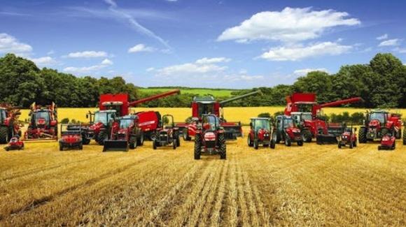 На Херсонщине зарегистрировано больше сельхозтехники, чем трактористов фото, иллюстрация