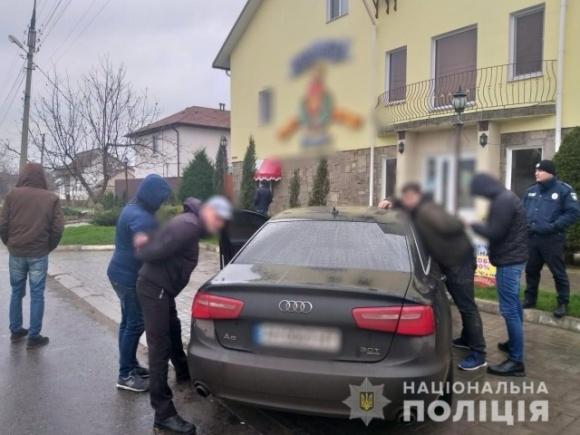 На Херсонщине задержали мошенников, которые обманули двух фермеров на 800 тысяч грн фото, иллюстрация