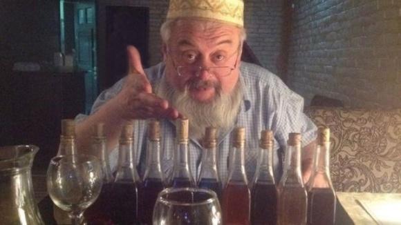 Фермер из Винницкой области сделал украинское одуванчиковое вино известным в мире фото, иллюстрация