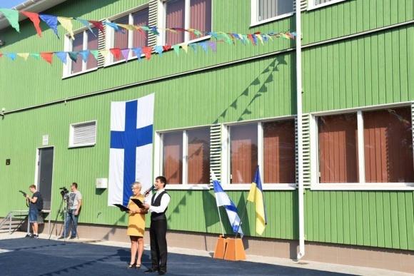 """Унікальну """"зелену"""" школу побудували фіни для херсонців  фото, ілюстрація"""