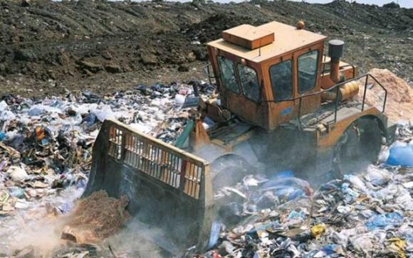 Найбільший еко-штраф на 783 млн доларів виданий через пестицидну тару фото, ілюстрація