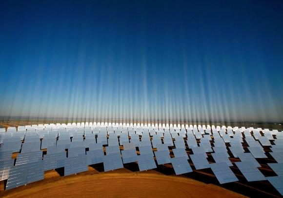 Инвестировать в солнечные электростанции выгоднее, чем класть деньги на депозит фото, иллюстрация