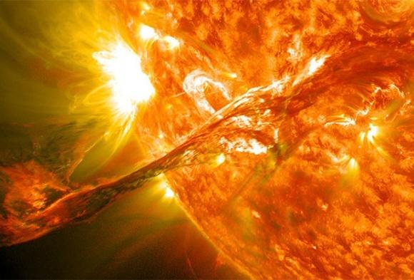 Вирахувано терміни руйнівного для людства спалаху на Сонці фото, ілюстрація