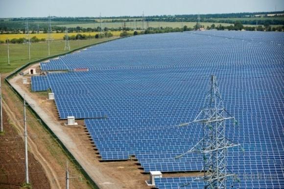 Китайская CNBM приобрела 10 крупнейших солнечных станций Украины фото, иллюстрация