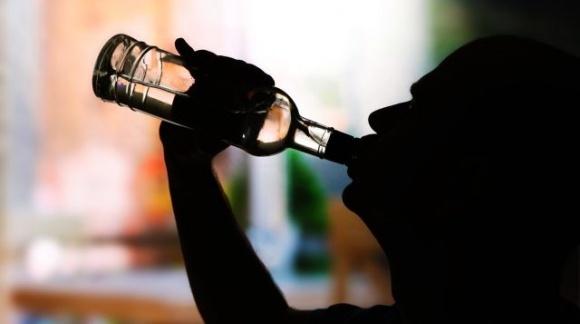 Украинцы потратили на спиртное 8 млрд гривен за полгода. Больше всего пьют на Днепропетровщине фото, иллюстрация