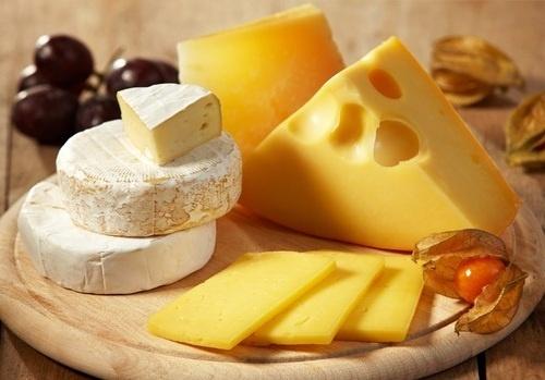 Первый в мире робот по переворачиванию сыра появился в Великобритании фото, иллюстрация