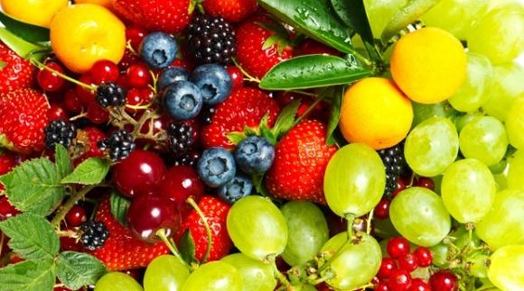 Низькі ціни на сировину ринку переробки фруктів у Польщі — вина самих виробників - думка фото, ілюстрація