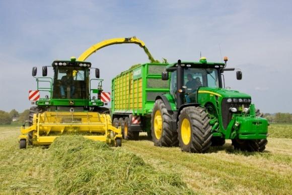 Аграрії збільшили обсяги закупівлі техніки до 8,2 млрд грн фото, ілюстрація