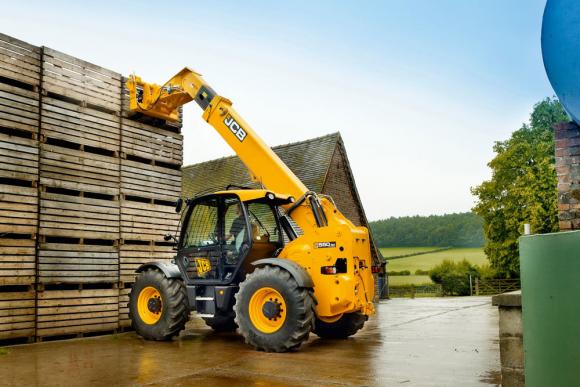JCB планирует поставлять в Украину новые модели сельхозтехники фото, иллюстрация