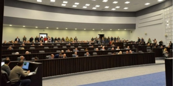 Протест против рынка земли. Тернопольский облсовет проведет выездное заседание под стенами Верховной Рады фото, иллюстрация