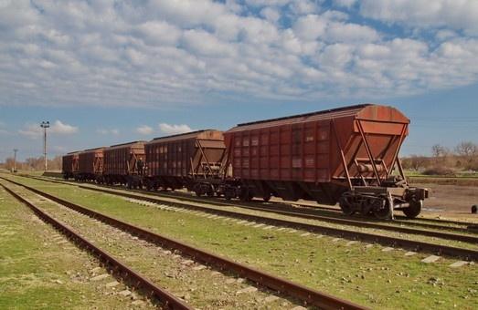 Неефективна робота морських портів та термінальних комплексів знову стримує  темпи перевезення зерна залізницею фото, ілюстрація
