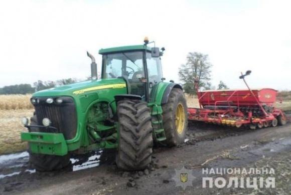 На Николаевщине у фермера украли трактор John Deer с сеялкой фото, иллюстрация