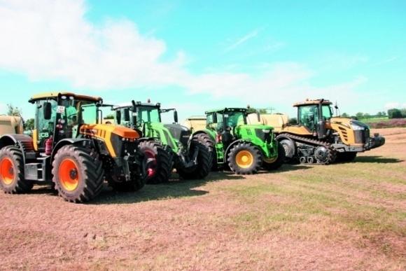 Уряд стягуватиме податок на продаж тракторів фото, ілюстрація