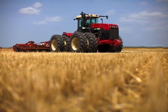 Какие модели тракторов предпочитают украинские аграрии? фото, иллюстрация