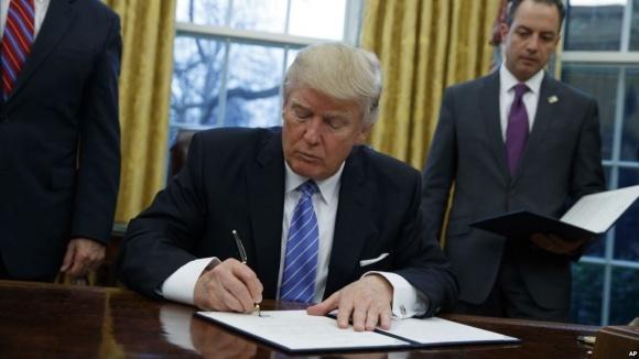 Трамп выбрал более жесткие меры в отношении китайских товаров, чем ему предлагали фото, иллюстрация