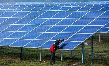 Немецкие инвесторы построят в Тростянце солнечную электростанцию фото, иллюстрация